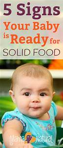5 Signs Your Baby is Ready for Solid Food
