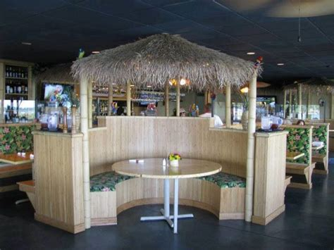 The Parrot Steakhouse In Oklahoma Is A Tropical Themed