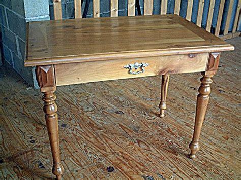 bureaux anciens brocante table bureau ancienne merisier pieds tournés tiroir en