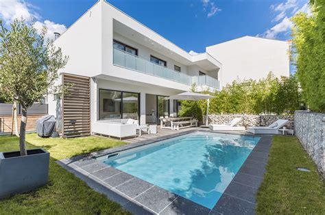 architecture 233 pur 233 e et design minimaliste pour une maison ossature bois du groupe futura la
