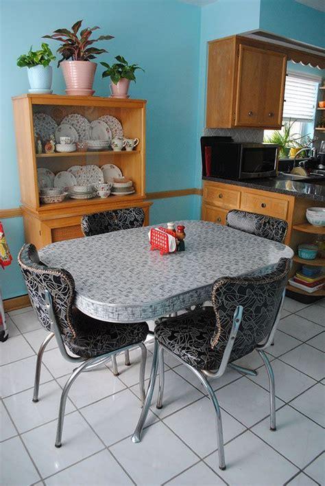 vintage dinette set  hutch kitchen tables  chairs