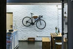 Fahrrad Wandhalterung Holz : bicycledudes fahrrad wandhalterung johannes aus nachhaltigem holz avocadostore ~ Markanthonyermac.com Haus und Dekorationen