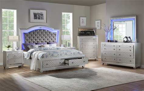 shiney bedroom set pc  silver leatherette white woptions
