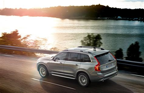 volvo introduces   suv   chinese