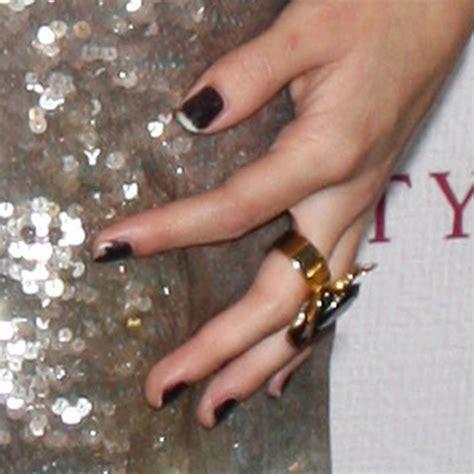 selena gomez black nails steal  style