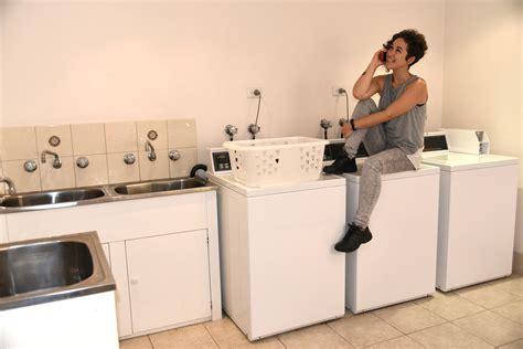 parquet dans une cuisine aménagement d une buanderie tous les conseils