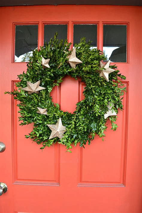 top 20 holiday wreaths to decorate your front door