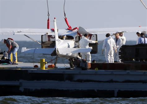 Boat Salvage Yards New Orleans by Crashed Sightseeing Plane Pulled From Lake Near New