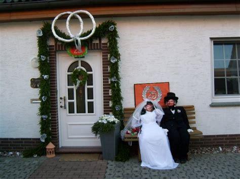 deko zur silberhochzeit silberhochzeit dekoration am haus nxsone45