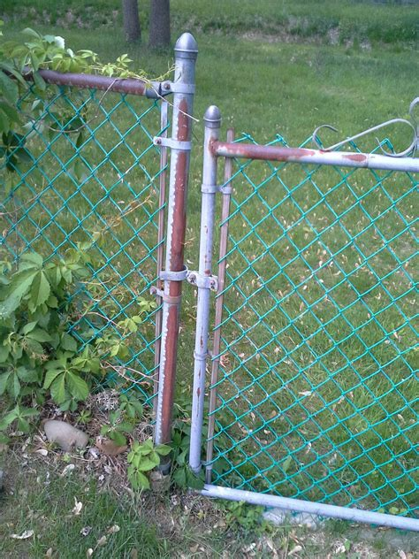 fill   gap   chain link fence