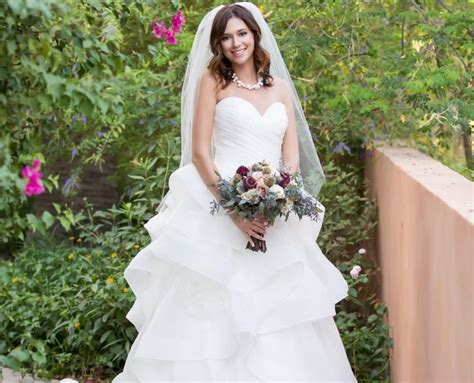 Laurie's Bridal Scottsdale Arizona Wedding Dress Shop Wedding Jewellery Kilmarnock Giveaways Sample Philippines Elegant Countdown Wordpress Jewelry Bloomingdales Design For Groom Printable
