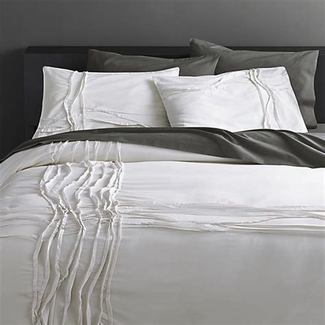 black and white bed linen best 25 white bed linens ideas on bed linens