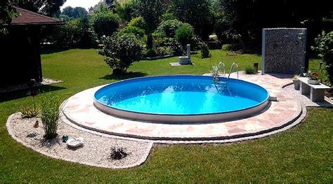 Runder Pool Im Garten by Mit Einem Tollen Pool Wird Jeder Garten Zu Einem Wahren