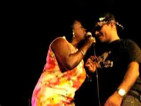 Sharon Jones & The Dap-Kings live in Cologne Oct 23rd 2007 ...