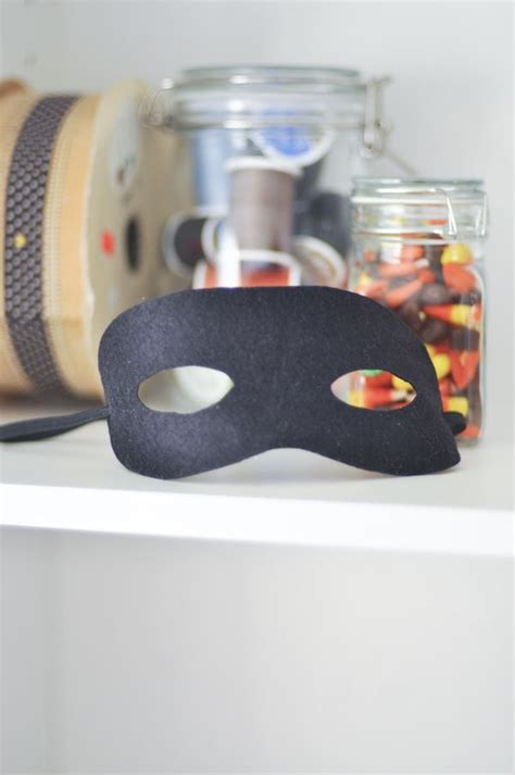 Related Of Bank Robber Mask Template