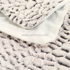 Plaid Fourrure Blanc : plaid imitation fourrure ecorce blanc plaid fausse ~ Nature-et-papiers.com Idées de Décoration