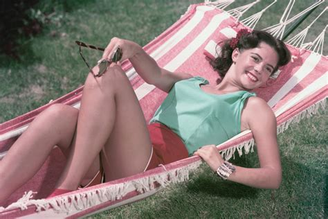 natalie wood sexy natalie wood sexy in shorts 1950 s color photo or poster