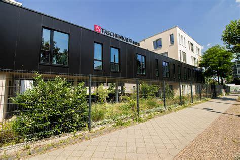 Verwaltungsgebaeude In Leipzig by Taschenkaufhaus Leipzig