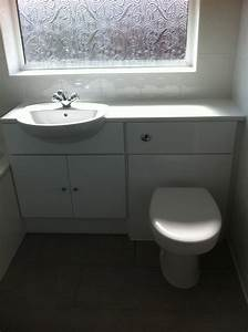 Fitted bathroom furniture ibathroom solutions for Pictures of fitted bathrooms