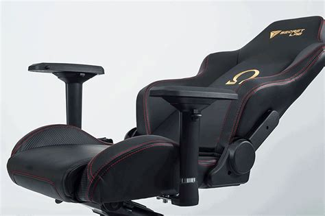 review secretlab omega a throne fit for a