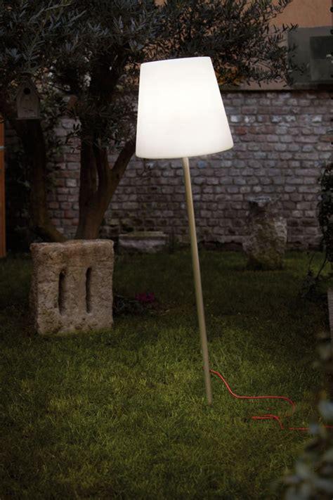 Gartenstehleuchte Aus Kunststoff, Outdoor Stehlampe Mit