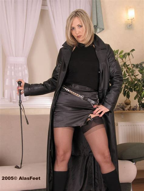 Ala Nylons ♥ Leather Fashion Pinterest Female