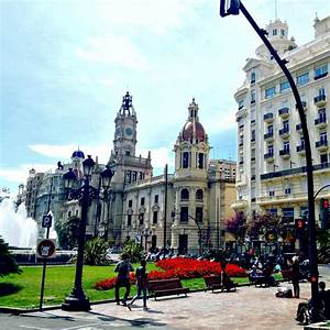 The Complete Guide To Valencia Travel
