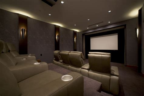 Interior Engaging Home Theater Design And Decoration Using