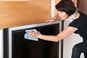 Led Tv Reinigen Glasreiniger : so reinigen sie ihr tv geraet ohne schlieren zu hinterlassen ~ A.2002-acura-tl-radio.info Haus und Dekorationen