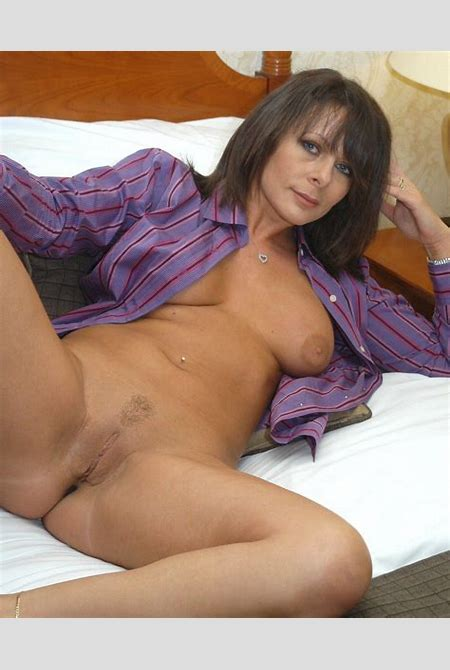 753617.jpg in gallery Classy Milf Carly (Picture 1) uploaded by BrandonP on ImageFap.com