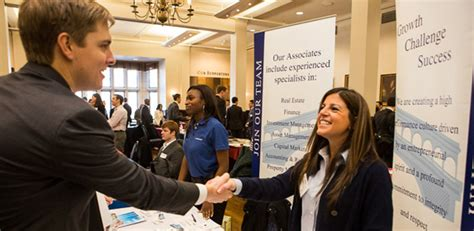 what to do at career fair do s and don ts how to make the best of career fairs blog