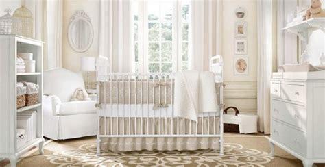 chambre bébé beige et blanc la peinture chambre bébé 70 idées sympas