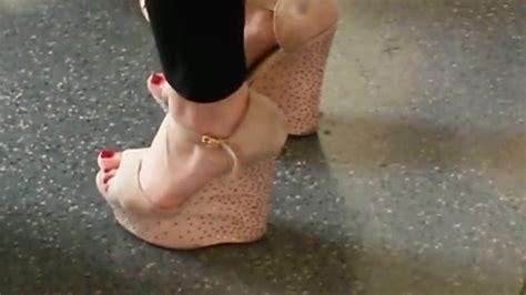 Dangling Heels Voyeur Porn Pic