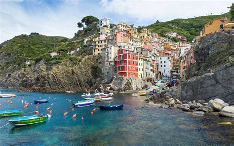 Cing 5 Terre Levanto Italy by How To Travel To Cinque Terre Travel Leisure