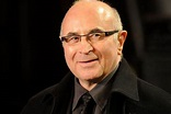 Bob Hoskins dead at 71: Actor dies following battle with ...