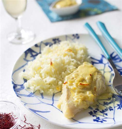 cuisiner filet de merlan filets de merlan au lait de coco et safran les