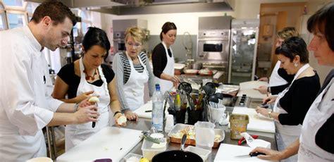 image atelier cuisine les cours de cuisine méritent ils leur succès capital fr