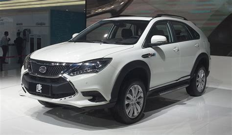 2016 byd tang in hybrid suv is of four to come byd tang