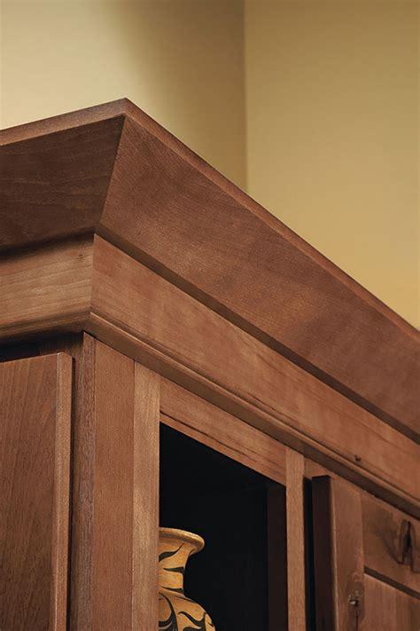 installing crown molding on kitchen cabinets starter and shaker moulding homecrest cabinetry 8992