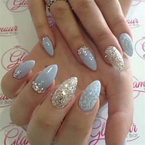 30 best almond shaped nail designs to sneak the peek