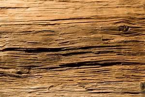 Holz Künstlich Alt Machen : holz altern lassen so erzeugen sie antike oberfl chen ~ Markanthonyermac.com Haus und Dekorationen