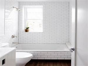White subway tile bathroom dark grout white subway tile for White subway tile backsplash bathroom
