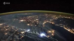 Tim Peake: British astronaut posts incredible time-lapse ...
