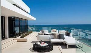 incredible beach house in california brings the ocean indoors With katzennetz balkon mit hotel can garden beach side