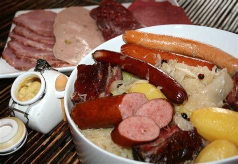 recette cuisine allemande cuisine d allemagne saucisses de francfort avec bretzel