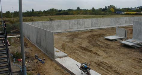 concrete retaining wall  bloc poundfield