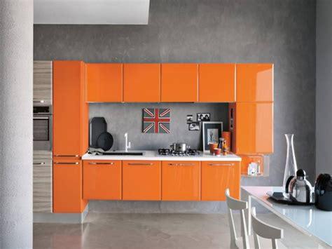 muebles de cocina color naranja en combinacion  otros