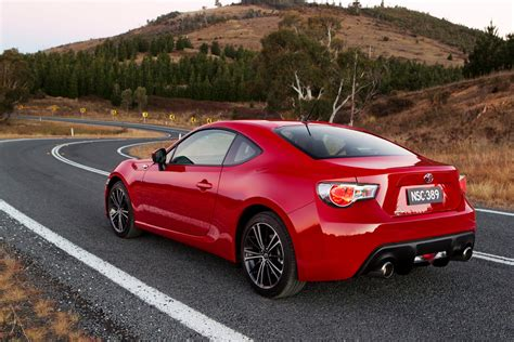 Toyota Car : Toyota 86 Vs Subaru Brz Comparison Review