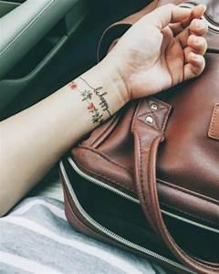 Armband Tattoo Bedeutung : 80 handgelenk tattoo ideen und ihre bedeutung wohnideen und dekoration ~ Frokenaadalensverden.com Haus und Dekorationen
