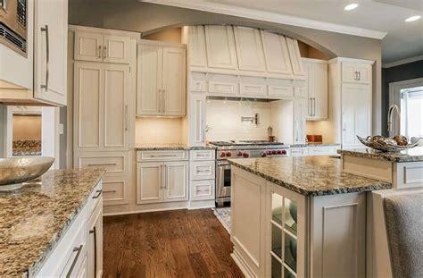 Country Kitchen Backsplash Ideas - beige granite countertops colors styles designing idea